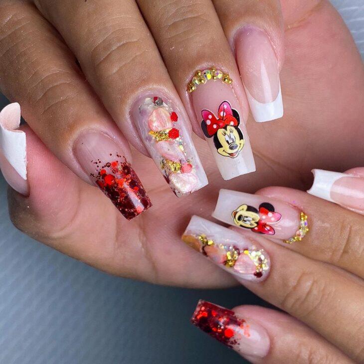 unhas vermelhas com glitter 16