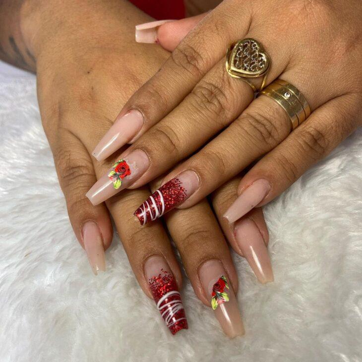 unhas vermelhas com glitter 18