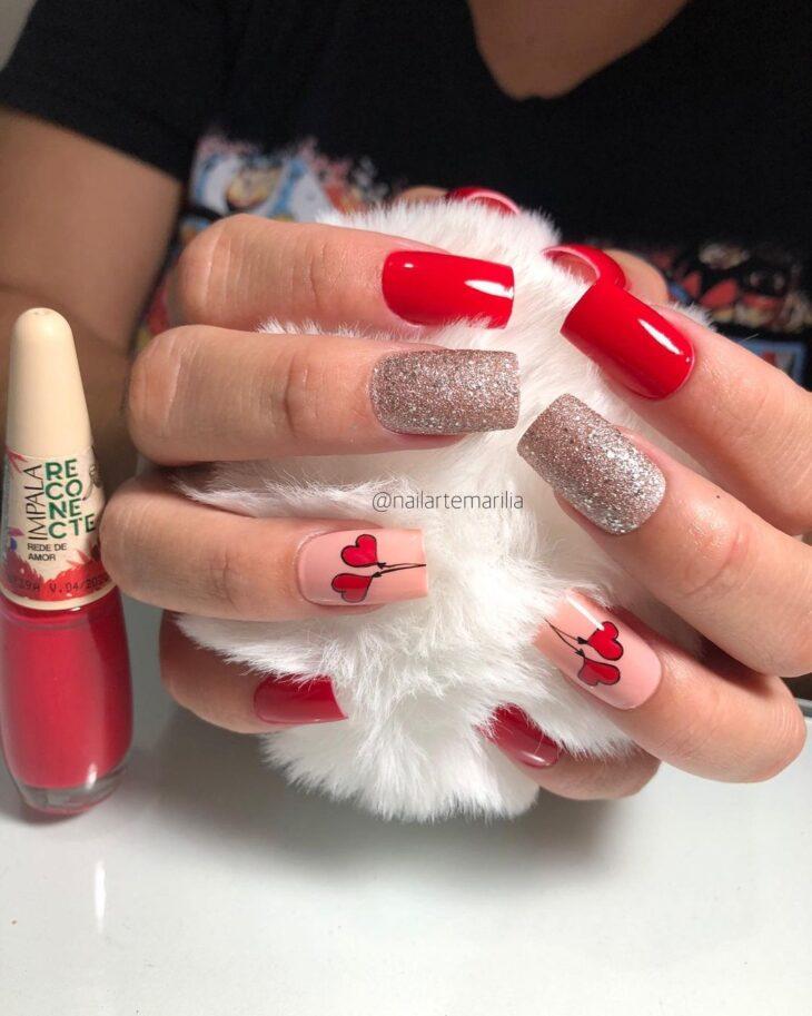 unhas vermelhas com glitter 21