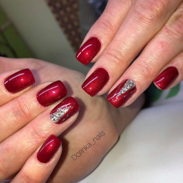 unhas vermelhas com glitter 31