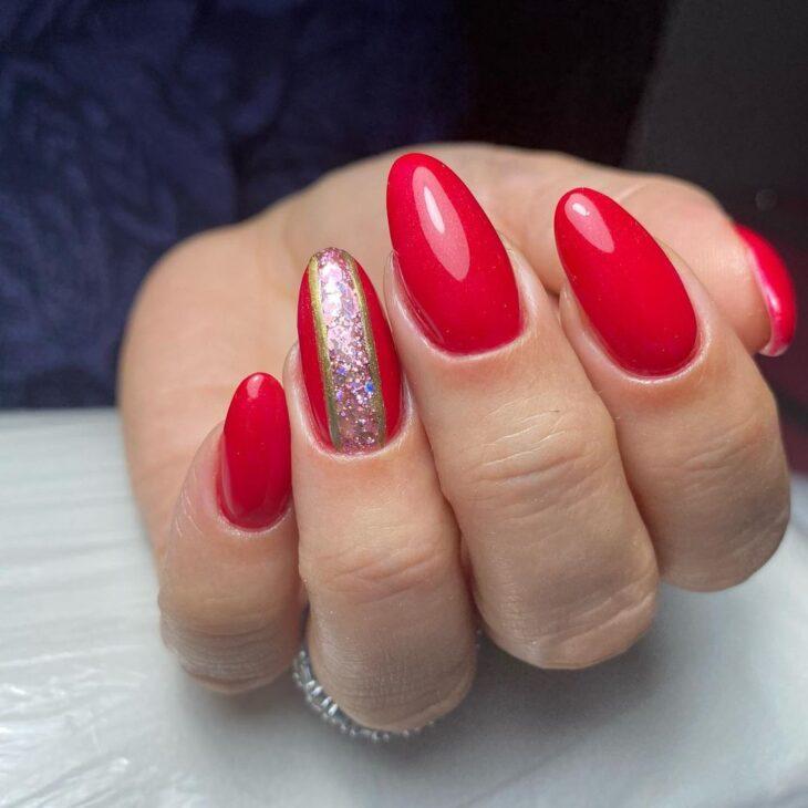 unhas vermelhas com glitter 32