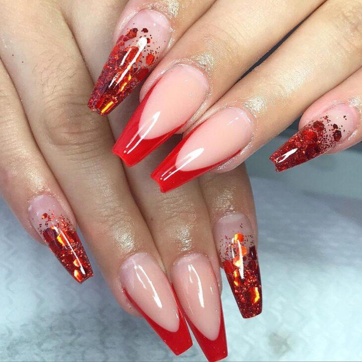 unhas vermelhas com glitter 37