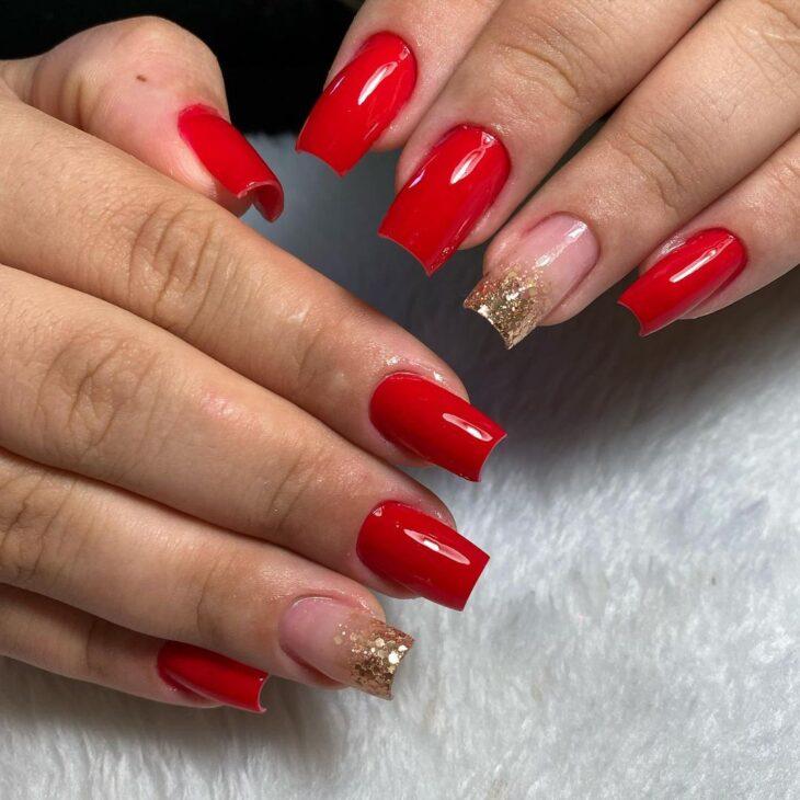 unhas vermelhas com glitter 39