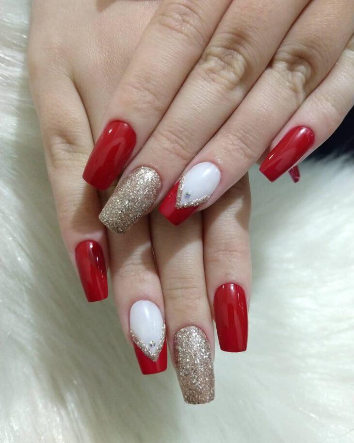 unhas vermelhas com glitter 40