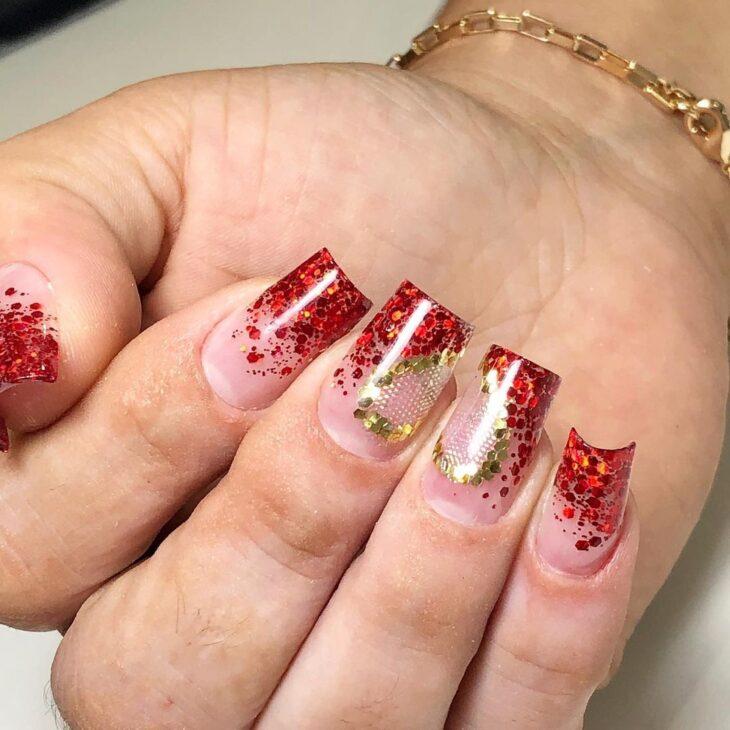 unhas vermelhas com glitter 47