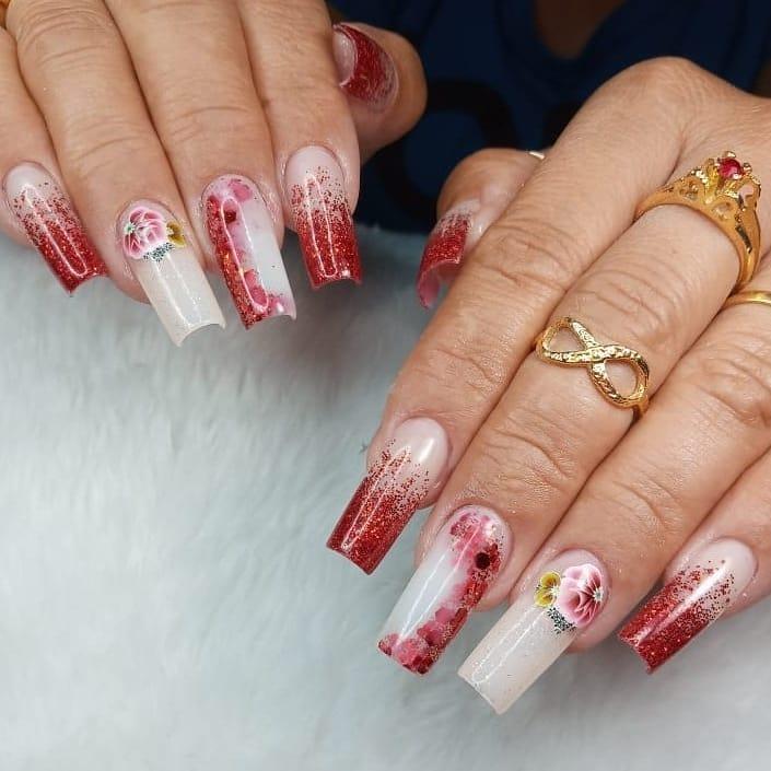 unhas vermelhas com glitter 48