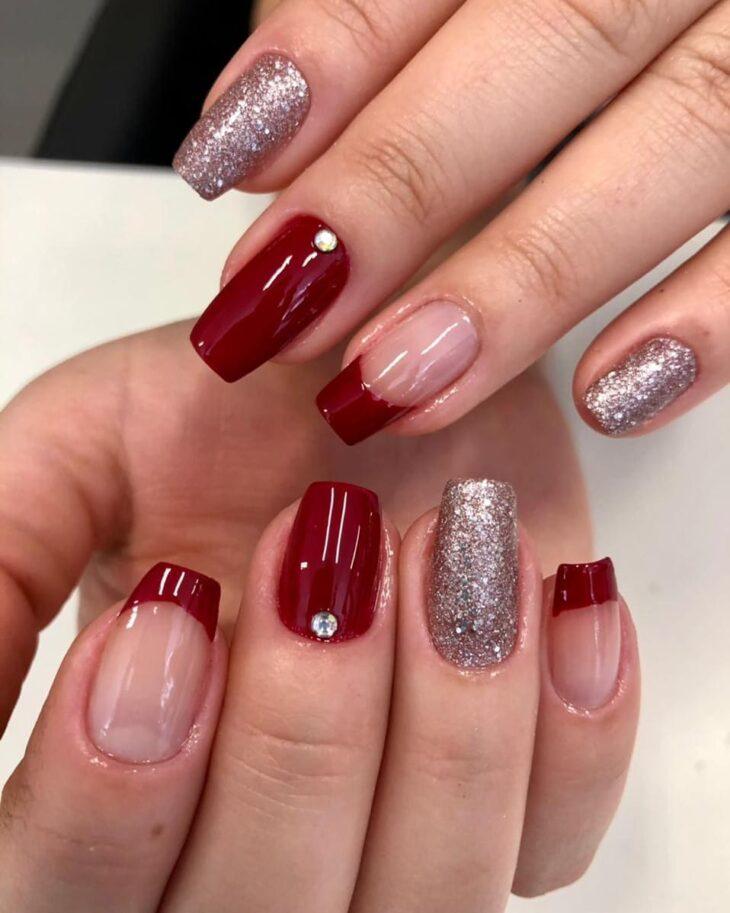 unhas vermelhas com glitter 50