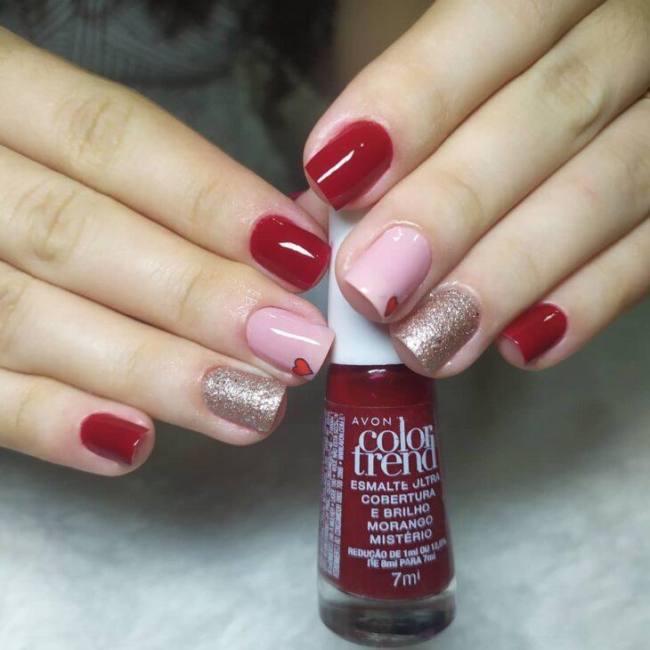 unhas vermelhas com glitter 58