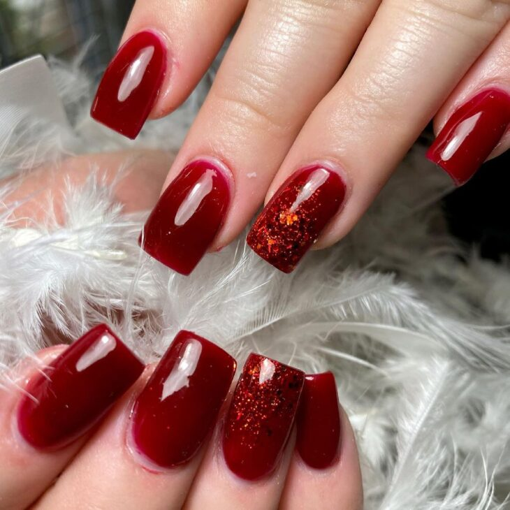 unhas vermelhas com glitter 59