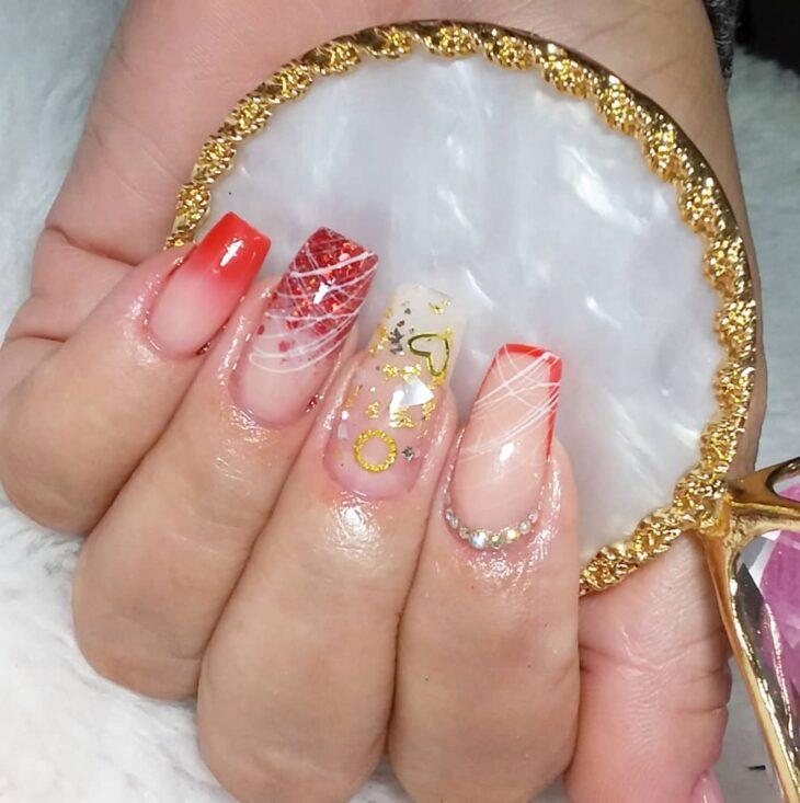 unhas vermelhas com glitter 62