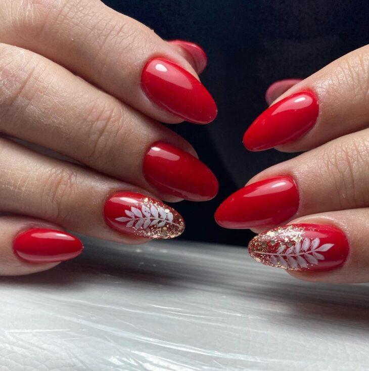 unhas vermelhas com glitter 11
